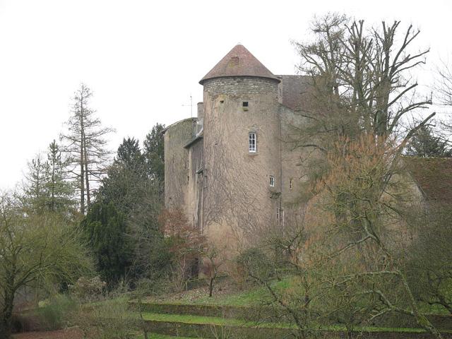 Château de Marcilly-la-Gueurce