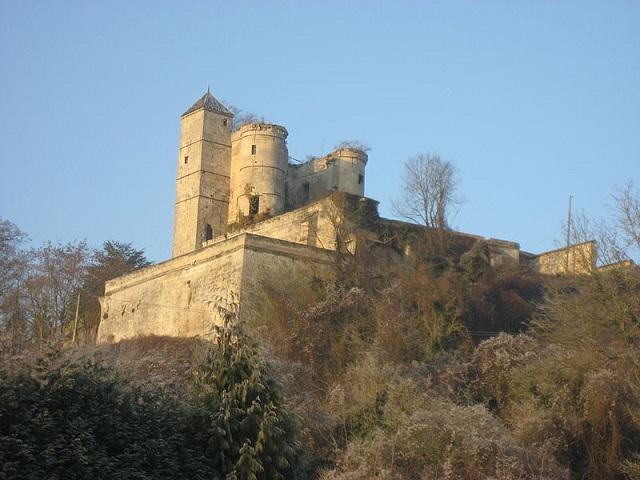 Château de Pernant