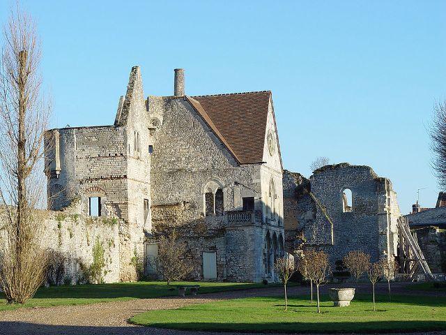 Château royal de Senlis et prieuré Saint-Maurice
