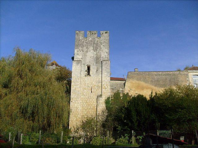 Tour de Saint-Sauvant