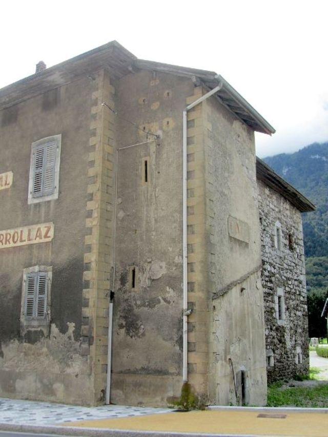 Maison forte de Loche