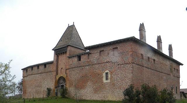 Maison forte de Villon.